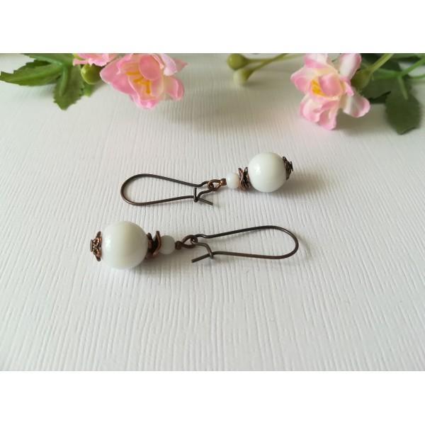 Kit de boucles d'oreilles apprêts cuivre et perles en verre blanche - Photo n°1
