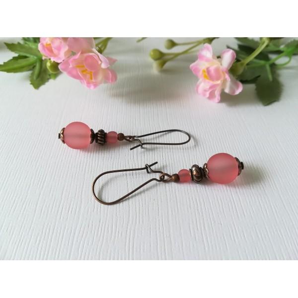 Kit de boucles d'oreilles apprêts cuivrés et perles en verre givré vieux rose - Photo n°1