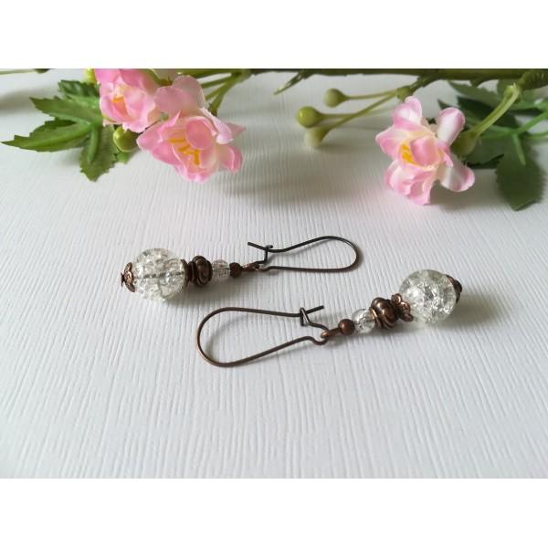 Kit de boucles d'oreilles apprêts cuivrés et perles en verre craquelé blanche - Photo n°1