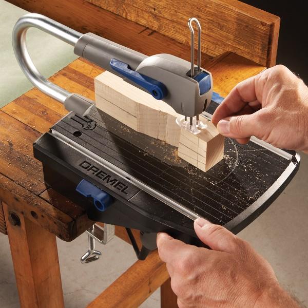 Scie à chantourner compacte Dremel Moto Saw - 5 accessoires inclus - Photo n°2
