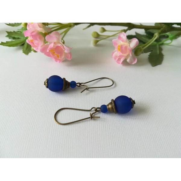 Kit de boucles d'oreilles apprêts bronzes et perle en verre bleu nuit - Photo n°1