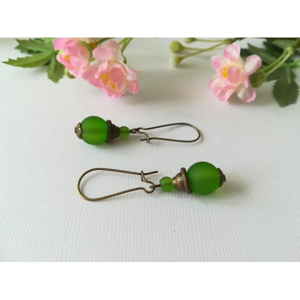 Kit boucles d'oreilles perles vertes et apprêts bronzes - Photo n°1