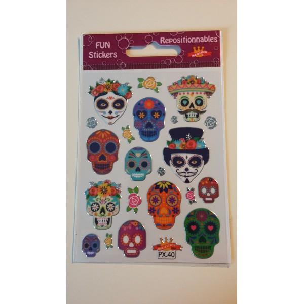 Gommettes stickers sur les têtes de mort - Photo n°1
