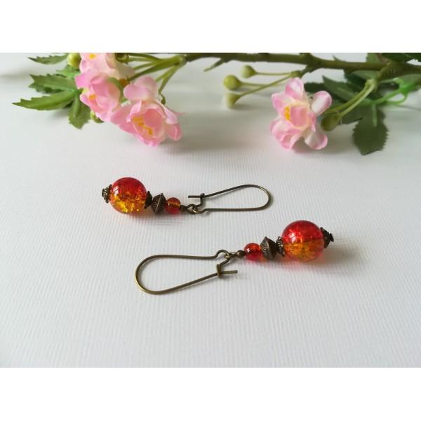 Kit de boucles d'oreilles apprêts bronze et perles en verre craquelé bicolore - Photo n°1
