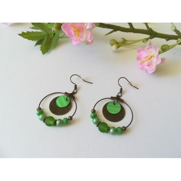 Kit de boucles d'oreilles créoles bronze et perles vertes - Photo n°1