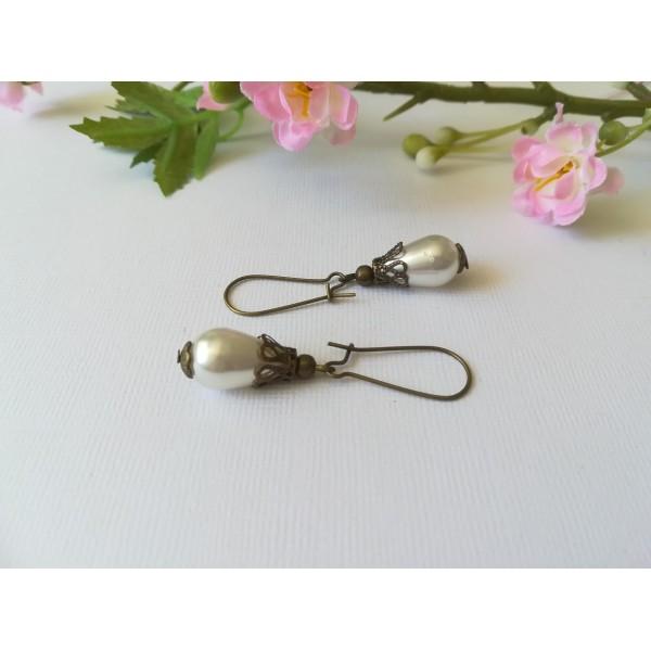 Kit boucles d'oreilles perle goutte ivoire et apprêts bronze - Photo n°1