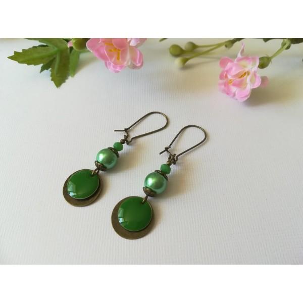 Kit de boucles d'oreilles apprêts bronze et sequin rond émail vert - Photo n°1