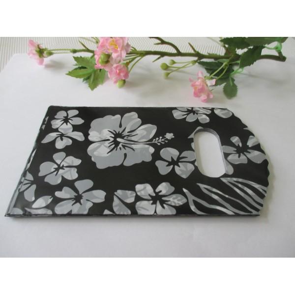 Sachets plastique cadeau 15 x 9 cm fleurs blanches x 10 - Photo n°2