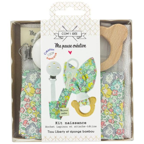 Kit couture cadeaux de naissance - Attache-tétine et hochet - Bois et Liberty Michele - Photo n°1