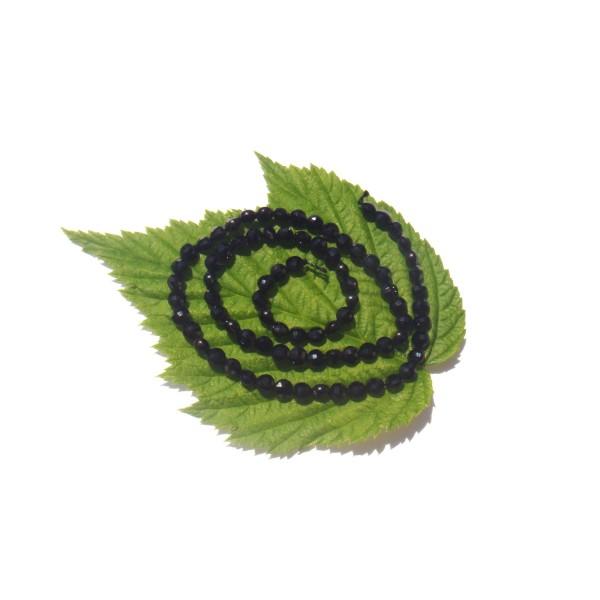 Spinelle Noir ( Thaïlande ) : 10 MINI médaillons facettés 4 MM de diamètre environ - Photo n°2