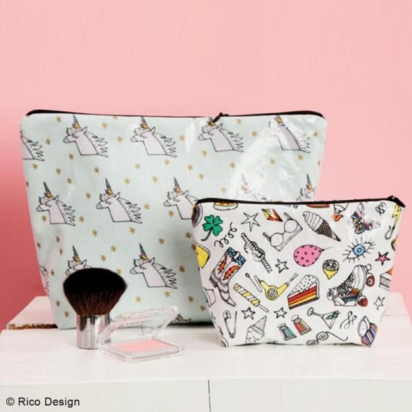 Tissu Rico Toile cirée - Cool girls - Fond rose néon - Par 10 cm (sur mesure) - Photo n°4