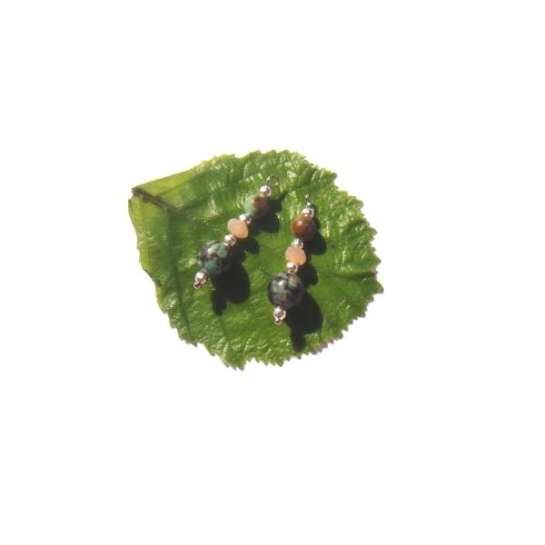 Turquoise Africaine et Pierre de Soleil : Paire de pendentifs 2.6 CM de hauteur x 8 MM - Photo n°2