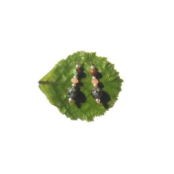 Turquoise Africaine et Pierre de Soleil : Paire de pendentifs 2.6 CM de hauteur x 8 MM - Photo n°1