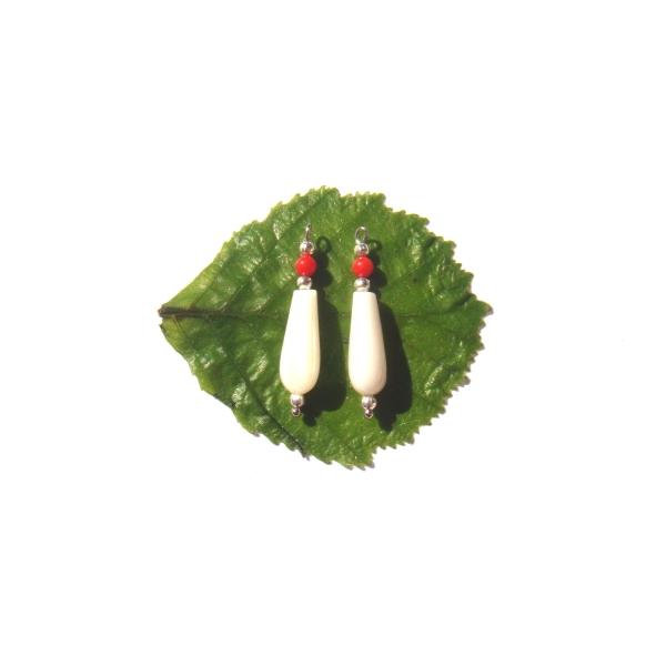Nacre Blanche et Corail : Paire de pendentifs 2.8 CM de hauteur x 6 MM max - Photo n°2
