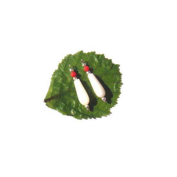 Nacre Blanche et Corail : Paire de pendentifs 2.8 CM de hauteur x 6 MM max - Photo n°1