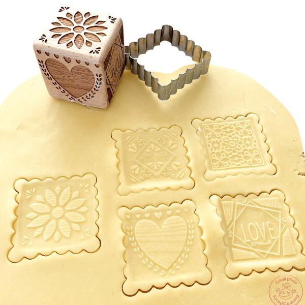 Tampon pour biscuits bois déco + découpoir - Photo n°1