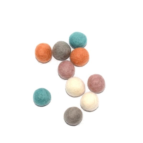 Boule en laine feutrée 20 mm camaïeu multicolore x10 - Photo n°1