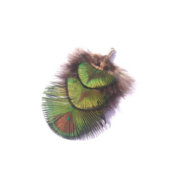 Pendentif Paon Dos aplat 3 plumes sur apprêt argenté 6,8 CM de hauteur environ x 5 CM de largeur max - Photo n°1