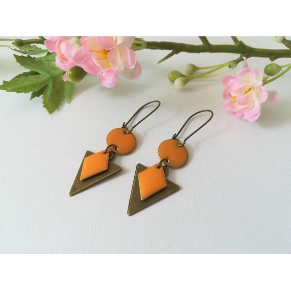 Kit de boucles d'oreilles pendentif triangle bronze et sequins émail orange - Photo n°1