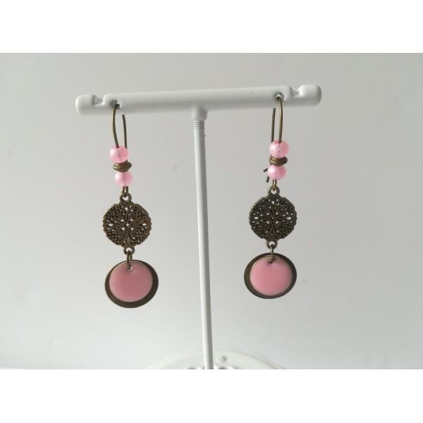 Kit de boucles d'oreilles connecteur bronze et sequin émail rose - Photo n°2