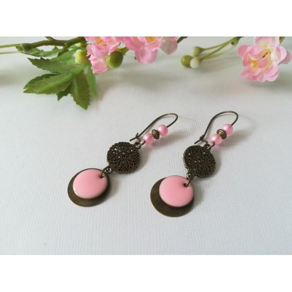 Kit de boucles d'oreilles connecteur bronze et sequin émail rose - Photo n°1