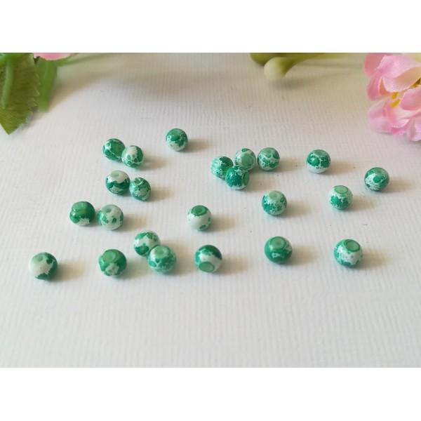 Perles en verre 4 mm blanches taches vertes  x 50 - Photo n°3