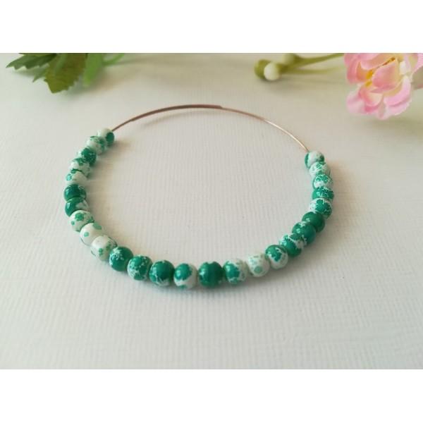 Perles en verre 4 mm blanches taches vertes  x 50 - Photo n°1