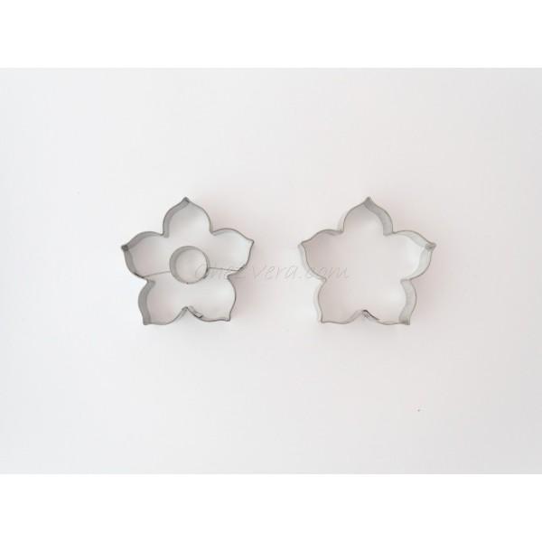 Emporte-pièces pour biscuits confiture - Lys grand avec rond - Photo n°1