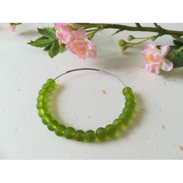 Perles en verre givré 6 mm vert olive x 25 - Photo n°1