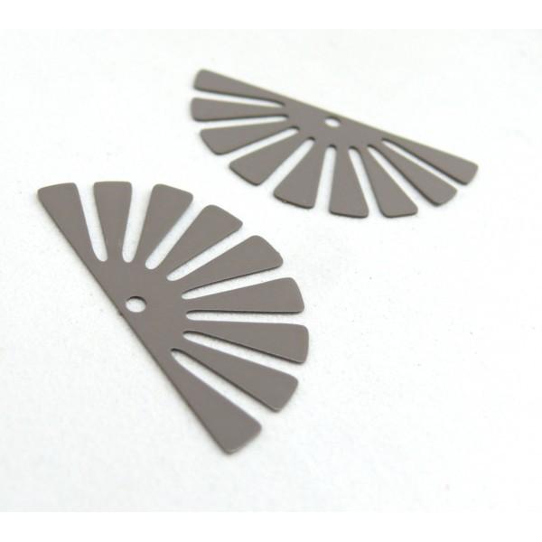AE11588 Lot de 4 Estampes pendentif filigrane demi Soleil Eventail Gris 18 par 35 mm - Photo n°2