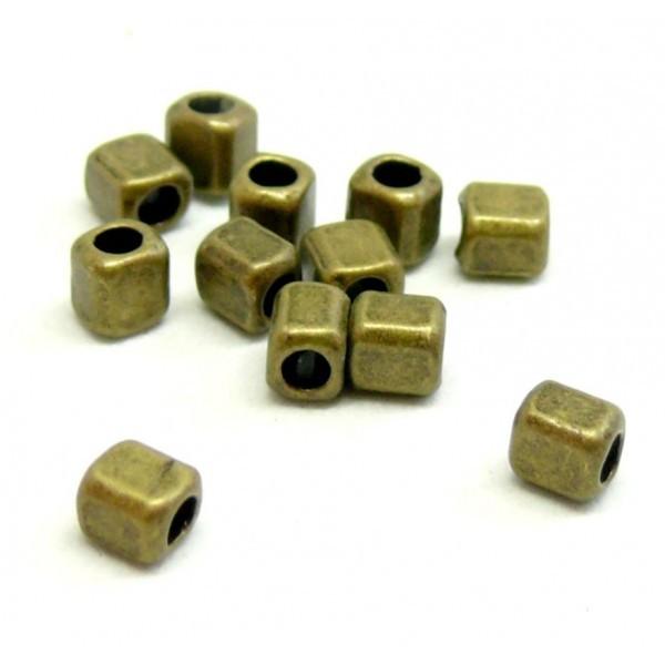 PS110210130 PAX 100 perles intercalaires Cube 4 mm métal couleur Bronze - Photo n°1
