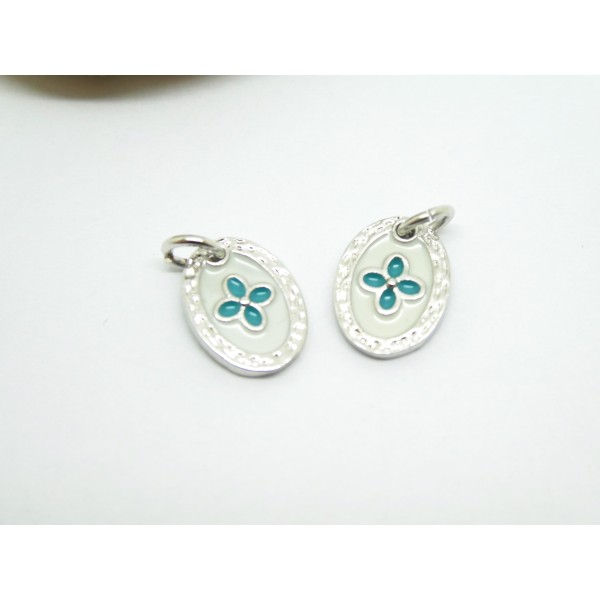 1 Pendentif ovale Fleur 12*9mm laiton plaqué argent et émail blanc et turquoise - Photo n°1