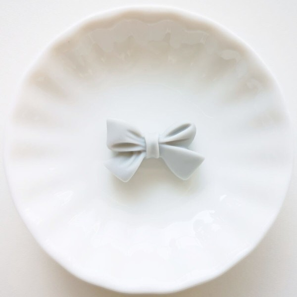 Perle en Silicone Noeud Papillon 27mm x 17mm Gris Clair, Creation bijoux - Photo n°1