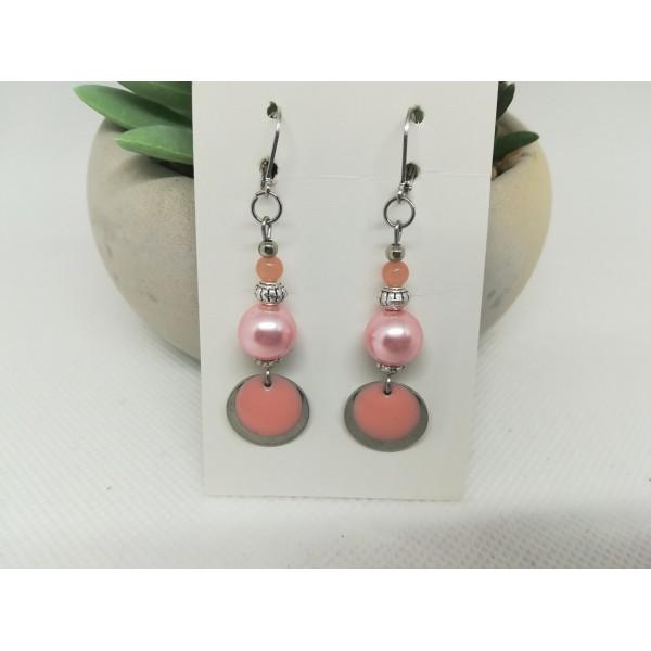 Kit boucles d'oreilles apprêts argent mat et perles en verre rose saumon - Photo n°1