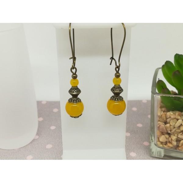 Kit de boucles d'oreilles apprêts bronze et perles en verre moutarde imitation jade - Photo n°1
