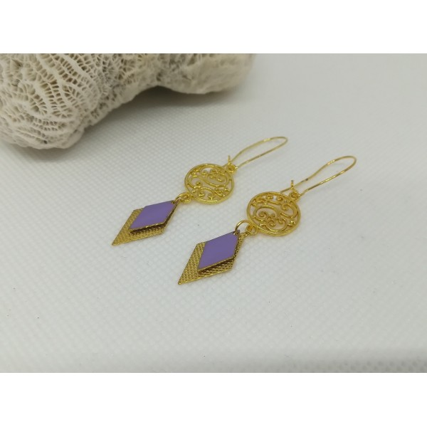 Kit de boucles d'oreilles connecteur doré et sequin émail mauve - Photo n°2