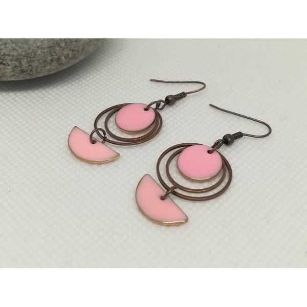 Kit de boucles d'oreilles anneaux fermés cuivre rouge et sequins émail rose - Photo n°2