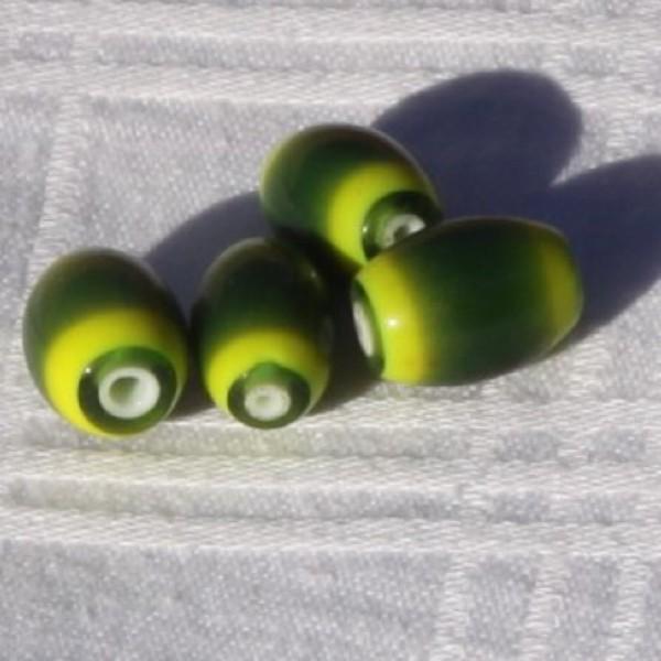 Lot de 4 perles ovales vertes en verre. - Photo n°2