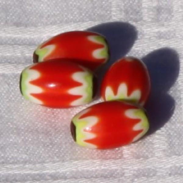 Lot de 4 perles ovales oranges en verre. - Photo n°2