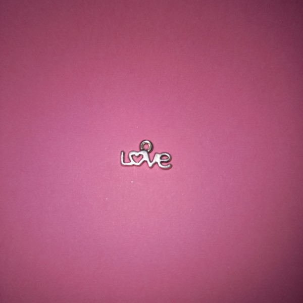 Love , breloque en métal blanc - Photo n°1