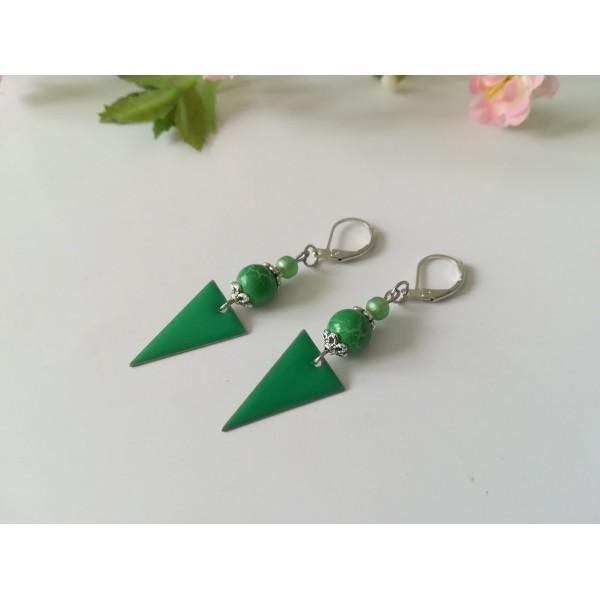 Kit boucles d'oreilles pendentif et perles vertes - Photo n°2