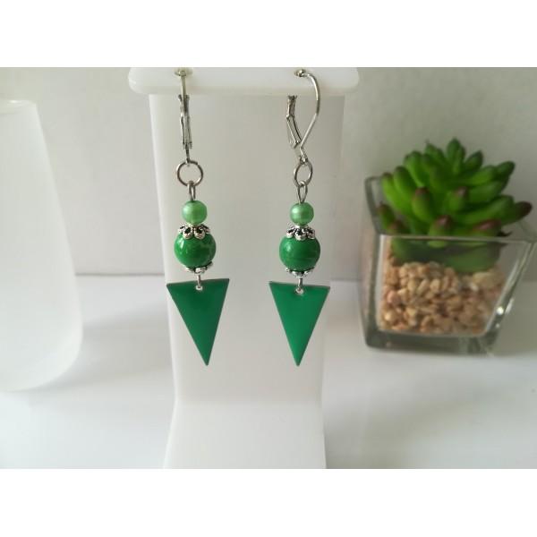 Kit boucles d'oreilles pendentif et perles vertes - Photo n°1