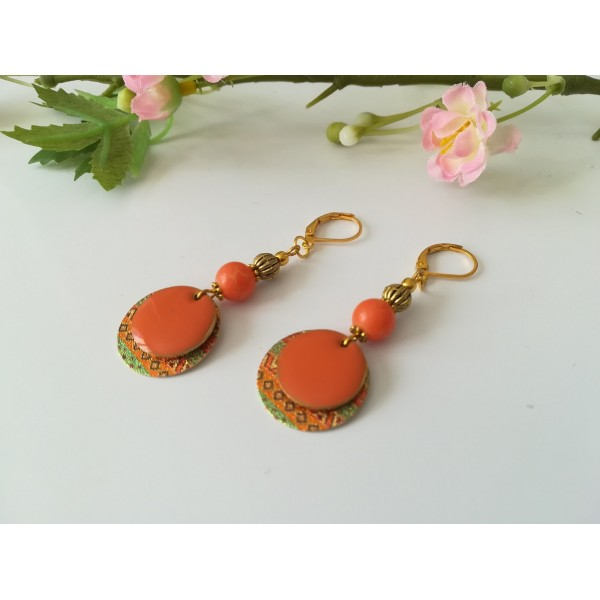 Kit boucles d'oreilles pendentif doré et perles orange - Photo n°2