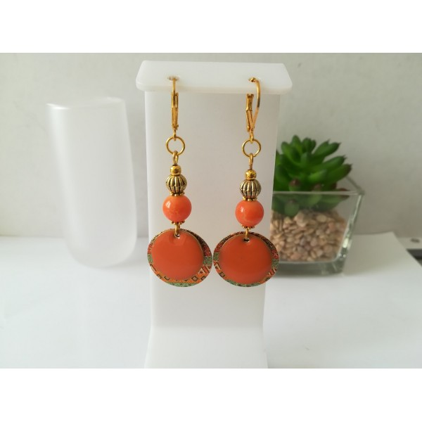 Kit boucles d'oreilles pendentif doré et perles orange - Photo n°1