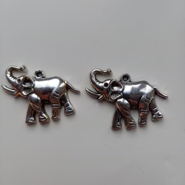 Magnifique 2 éléphants aux grandes oreilles, breloque - Photo n°1