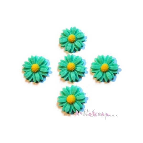 Cabochons fleurs paquerettes résine vert - 5 pièces - Photo n°1