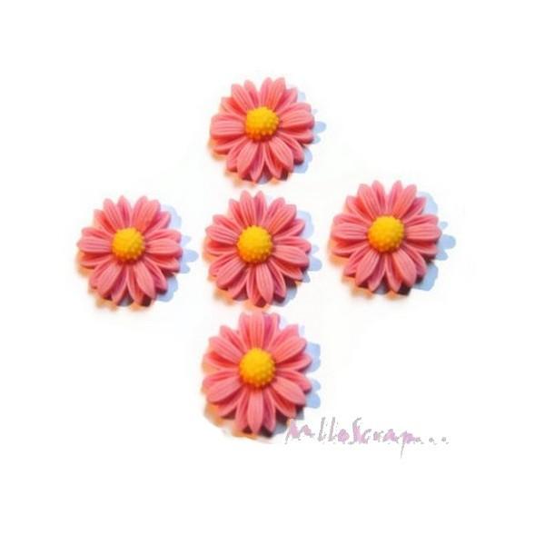 Cabochons fleurs paquerettes résine rose vieilli - 5 pièces - Photo n°1