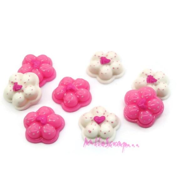 Cabochons fleurs résine multicolore - 8 pièces - Photo n°1