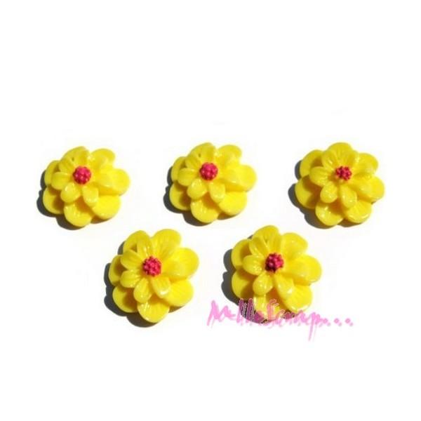 Cabochons fleurs résine jaune - 5 pièces - Photo n°1