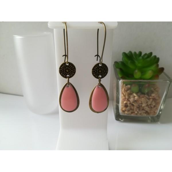Kit boucles d'oreilles pendentif bronze et sequin émail rose - Photo n°1